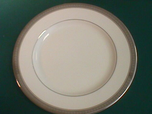 Where to find WIDE BAND PLATINUM 8  SALAD PLATE in Columbus